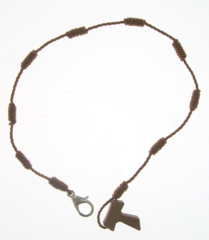 braccialetto con nodi e tau